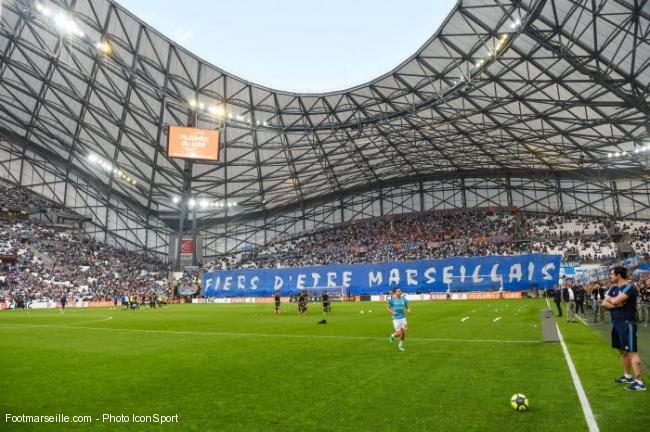 Supporters de l'OM au stade Orange Vélodrome